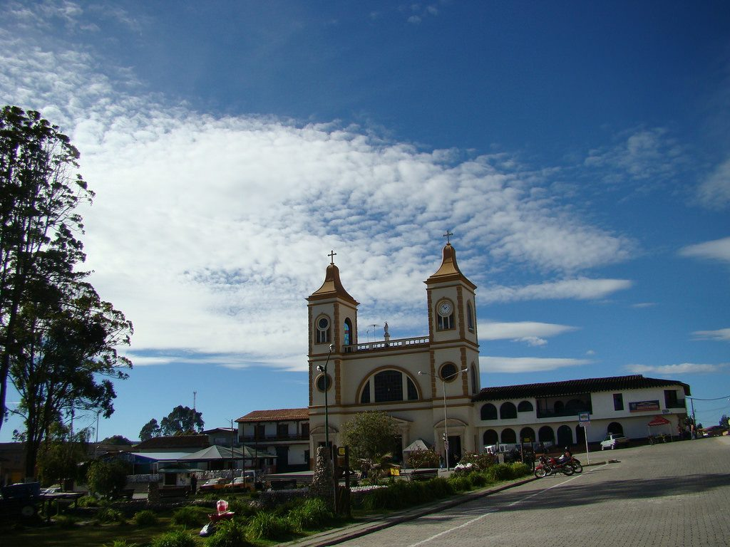 LA UNION Church - Philippines Travel Site