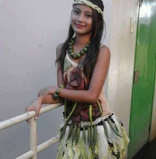 Badjao Girl - Philippines Travel Site