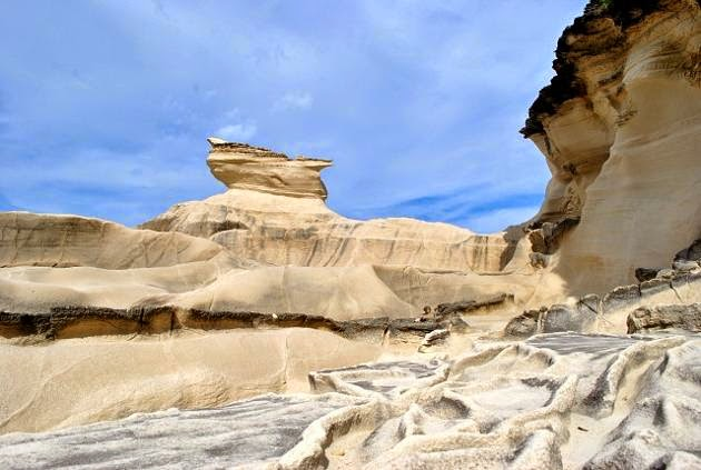 11-kapurpurawan-rock-formation