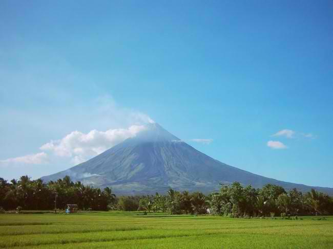 mayon-volcano1